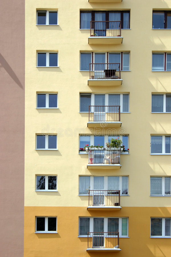 Windows e balconi fotografia stock libera da diritti