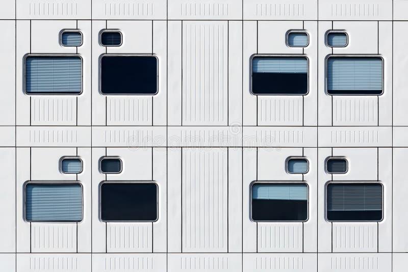 Windows e fileiras fotografia de stock