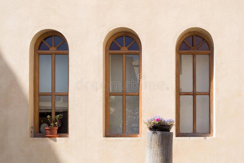 Windows e flores fotografia de stock royalty free