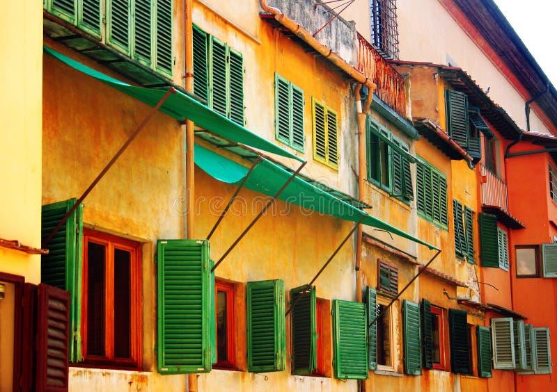 Windows en Ponte Vecchio, Florencia, Italia imágenes de archivo libres de regalías