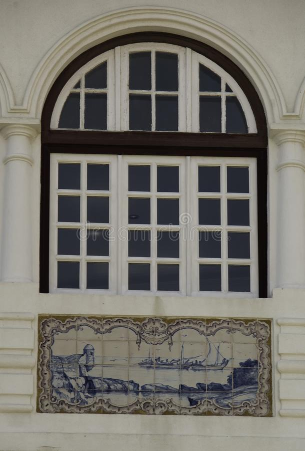Windows et vitro dans des tuiles décoratives photo libre de droits