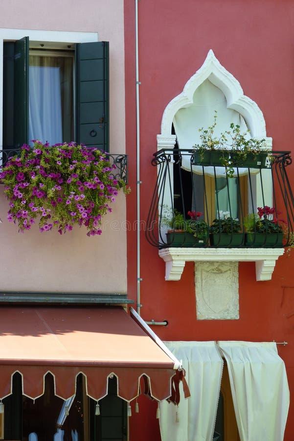 Windows hermoso en Burano foto de archivo libre de regalías