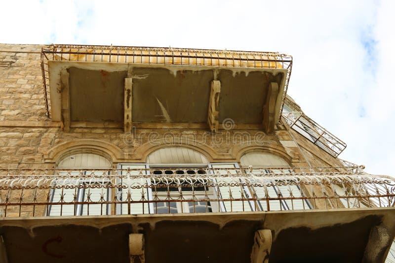 Windows i balkony w Haifa obrazy royalty free