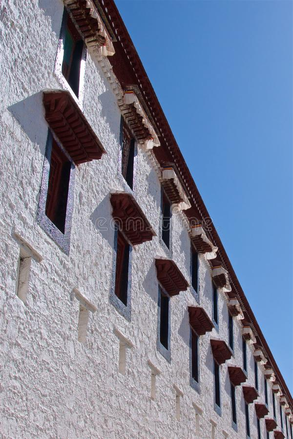 Windows na Potala pałac w Lhasa, Tybet obraz royalty free