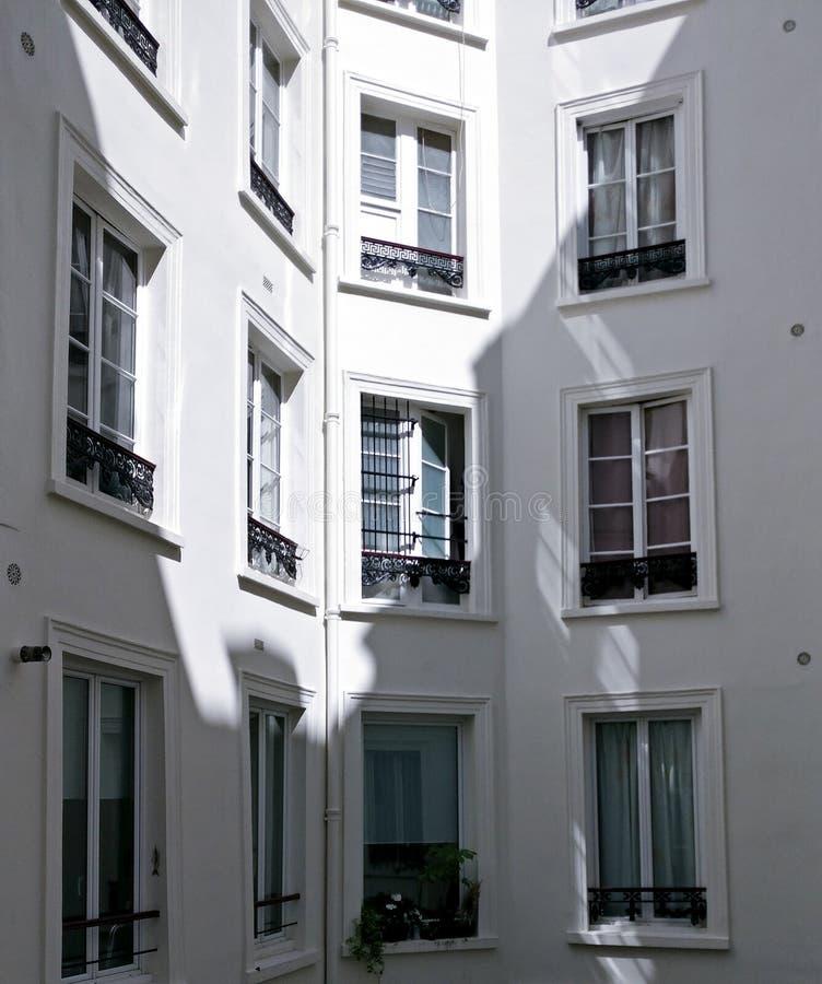 Windows a Parigi fotografia stock