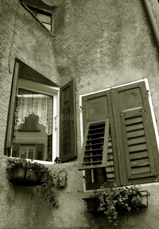 Windows in Revo Italia fotografie stock libere da diritti