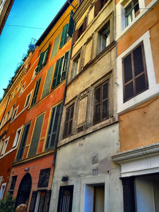 Windows Roma Spacer przez Włochy obraz royalty free