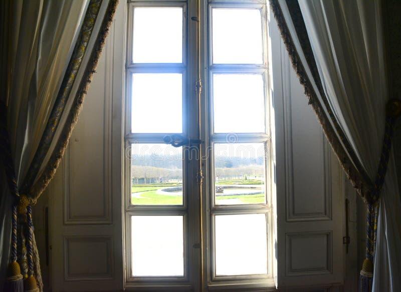 Windows sikt från Trianon royaltyfri bild