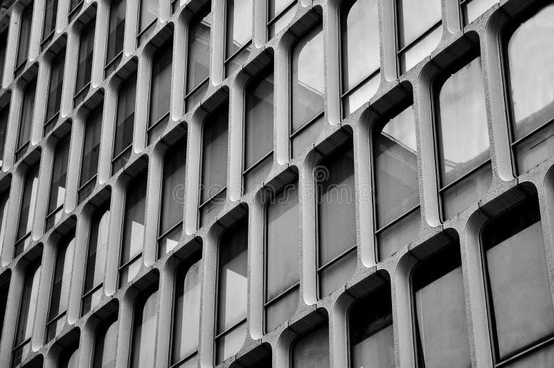 Windows sur le mur au Japon photos libres de droits