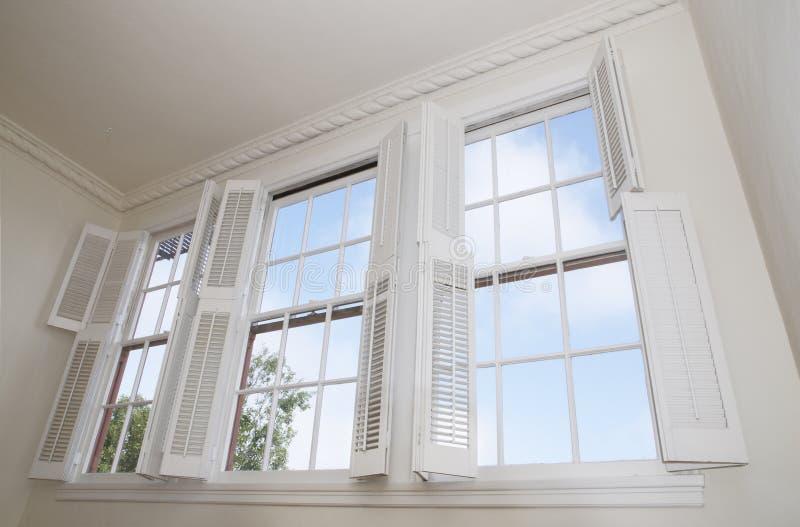 Windows und Blendenverschlüsse stockfoto