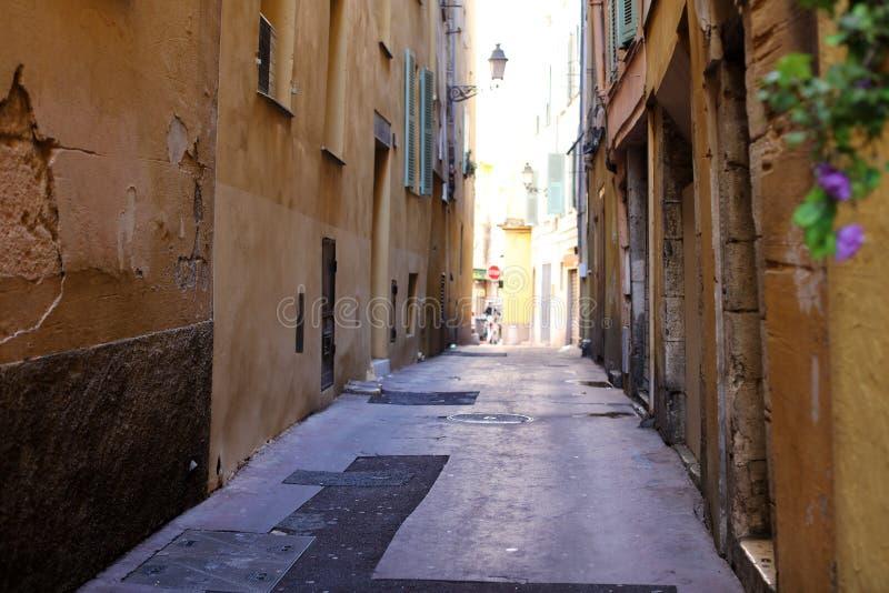 Windows w ulicach Ładny Francuski Riviera, śródziemnomorski wybrzeże, święty, Cannes i Monaco, Błękitne wody i luksusu jachty zdjęcia royalty free