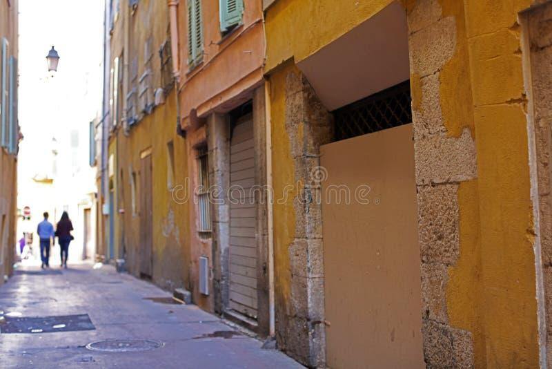 Windows w ulicach Ładny Francuski Riviera, śródziemnomorski wybrzeże, święty, Cannes i Monaco, Błękitne wody i luksusu jachty zdjęcie stock