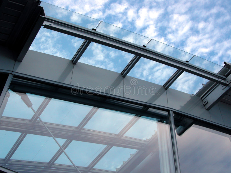 Windows zur Zukunft lizenzfreie stockfotos