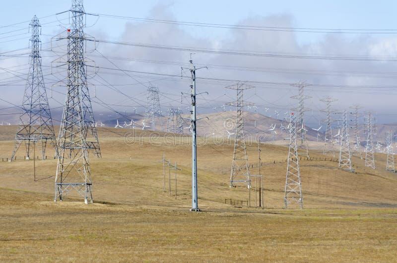 Windpark in goldenem Hügel Livermore in Kalifornien lizenzfreie stockbilder