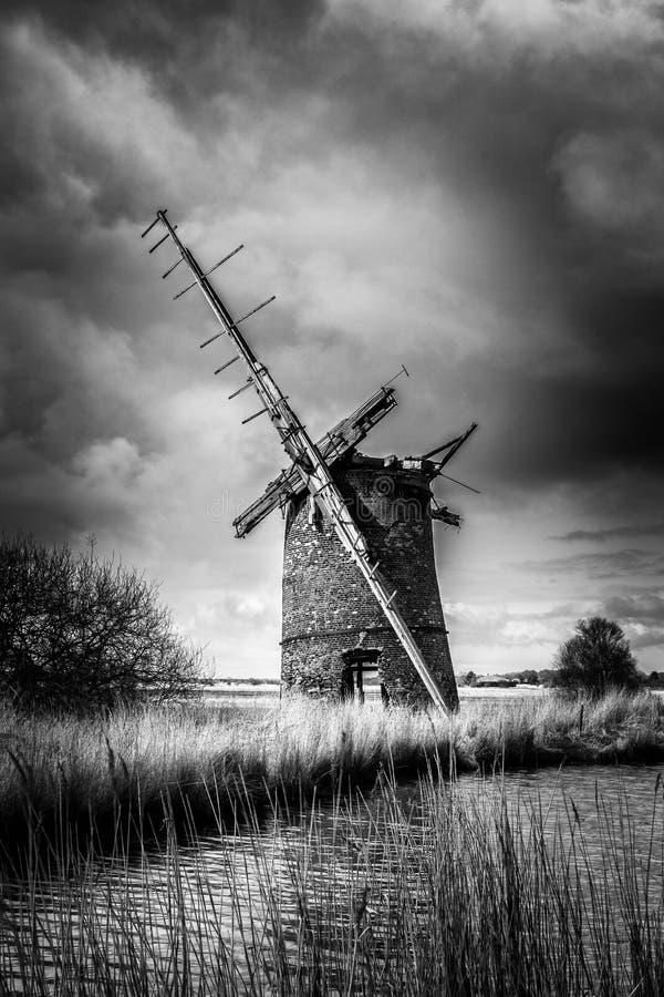 Windpump мельницы Brograve стоковые изображения