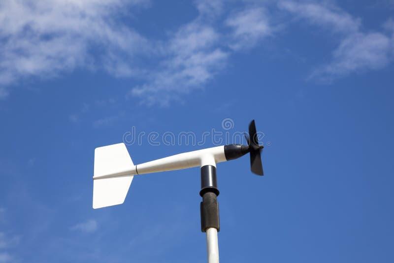 Windrad oder -anemometer lizenzfreie stockfotografie