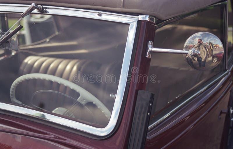Windscreen kierownicy oldtimer samochód fotografia stock