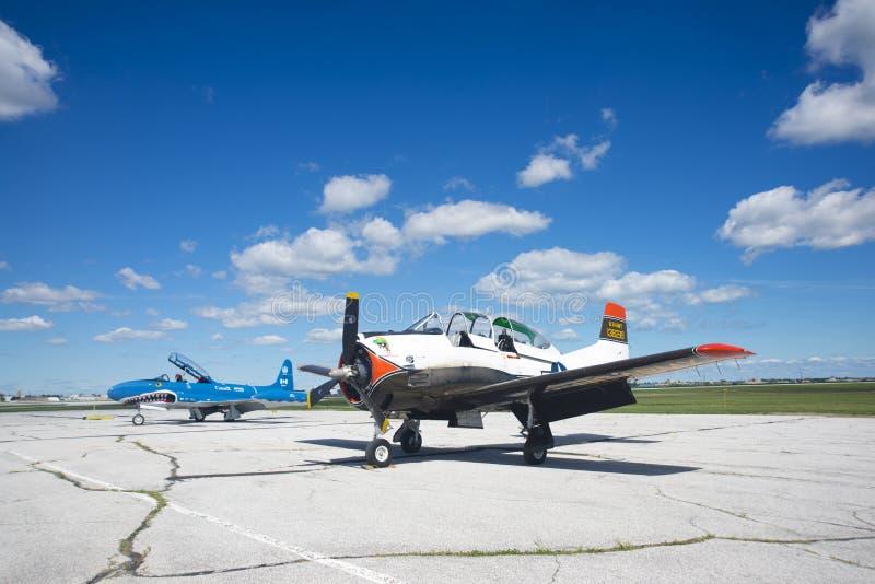 WINDSOR, CANADÁ - DE SEPT. EL 10 DE 2016: Vista de los aviones de jet del vintage adentro fotos de archivo libres de regalías