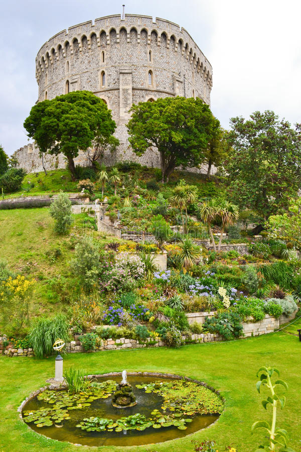 Free Windsor Castle And Garden Royalty Free Stock Images - 21080389