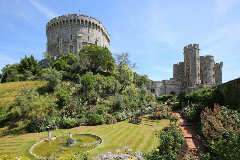 Windsor Castle es una residencia real en Windsor en el condado inglés de Berkshire imágenes de archivo libres de regalías