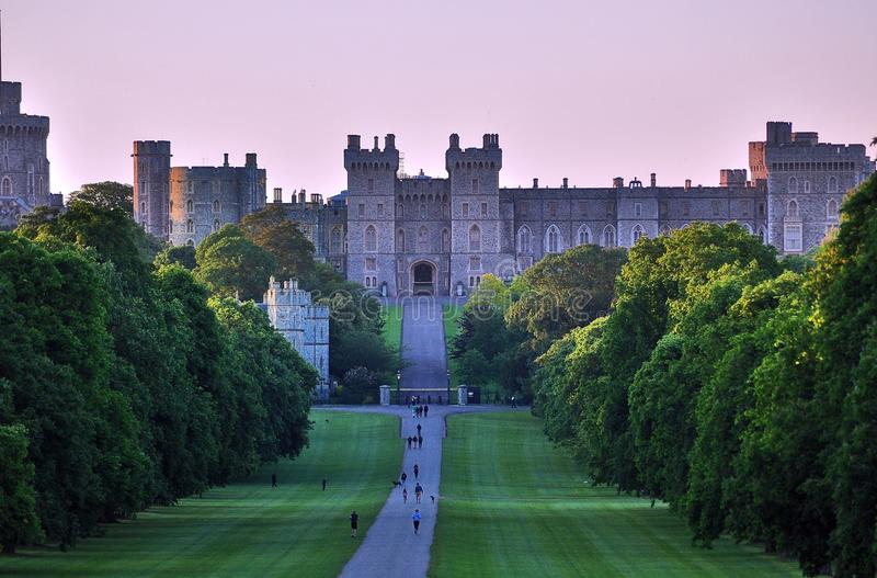 Windsor Castle et la longue promenade, R-U photographie stock