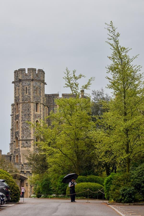 Windsor Castle på en regnig dag royaltyfria foton