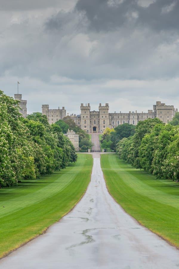 Windsor Castle, visión BRITÁNICA desde el paseo largo fotos de archivo