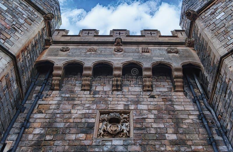 WINDSOR, ENGLAND 31. Dezember 2014: Architektonische Fragmente des mittelalterlichen Windsor Castle Windsor Castle ist ein königl lizenzfreie stockfotos