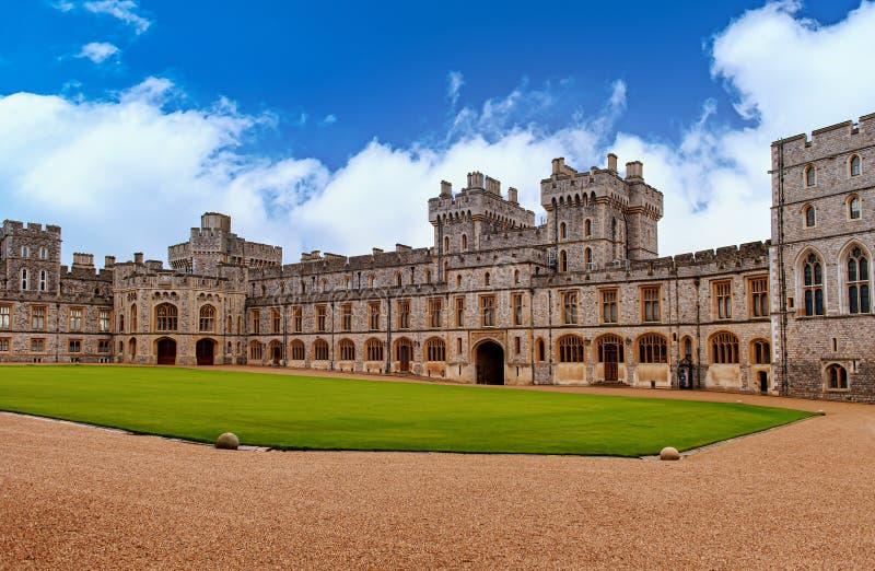 WINDSOR, ENGLAND Dezember 2014: Architektonische Fragmente des mittelalterlichen Windsor Castle Windsor Castle ist ein königliche lizenzfreies stockbild