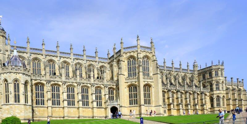 Windsor Förenade kungariket - Augusti 29, 2017: Sikten av medeltida Windsor Castle Windsor Castle är en kunglig uppehåll på Winds royaltyfri foto