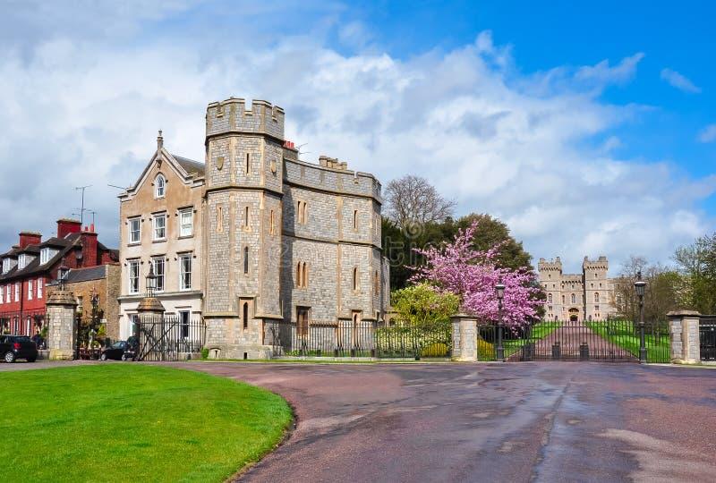 Windsor-Schlosseingang, London-Vororte, Vereinigtes Königreich lizenzfreies stockbild