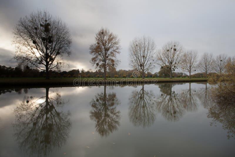 Windsor slott över floden thames royaltyfri foto