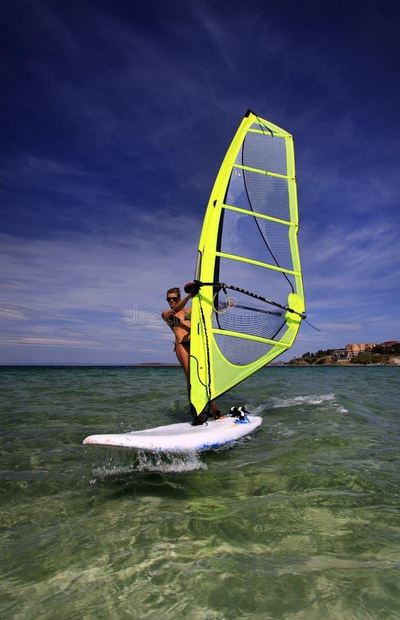 Windsurf les femmes photos libres de droits