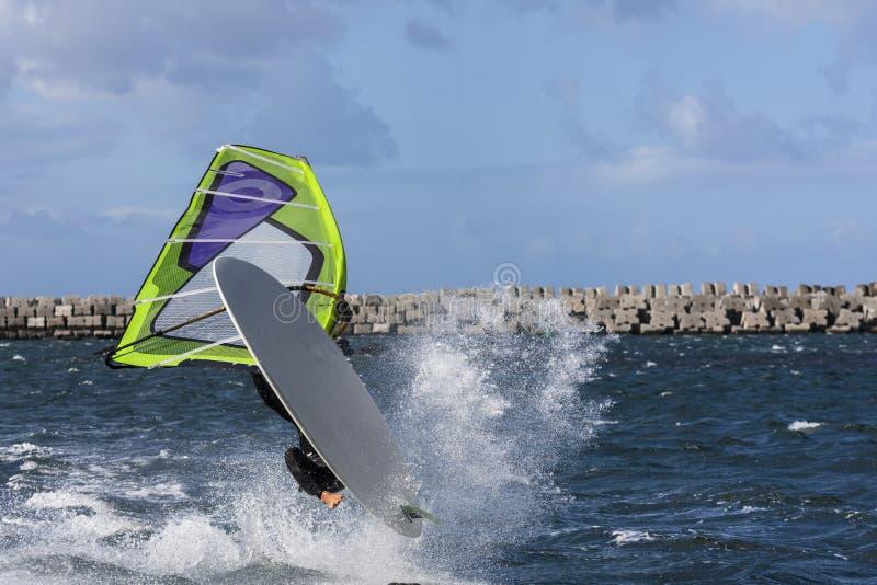 Windsurf Sprung stockbild