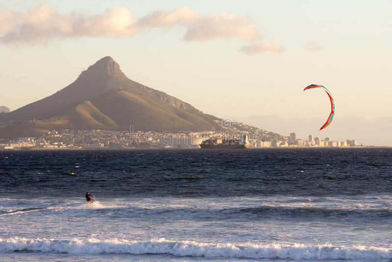 Windsurfe em Cape Town fotos de stock royalty free