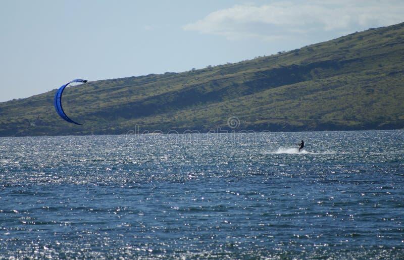 Windsurfer nella baia di Maalaea su Maui fotografia stock