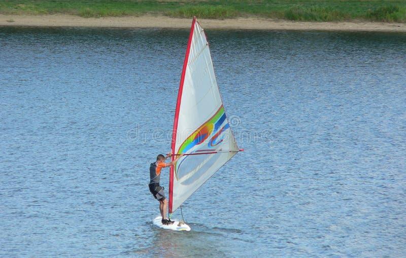 Windsurfing lizenzfreies stockbild