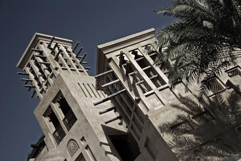 Windtowers arabo al crepuscolo fotografie stock libere da diritti