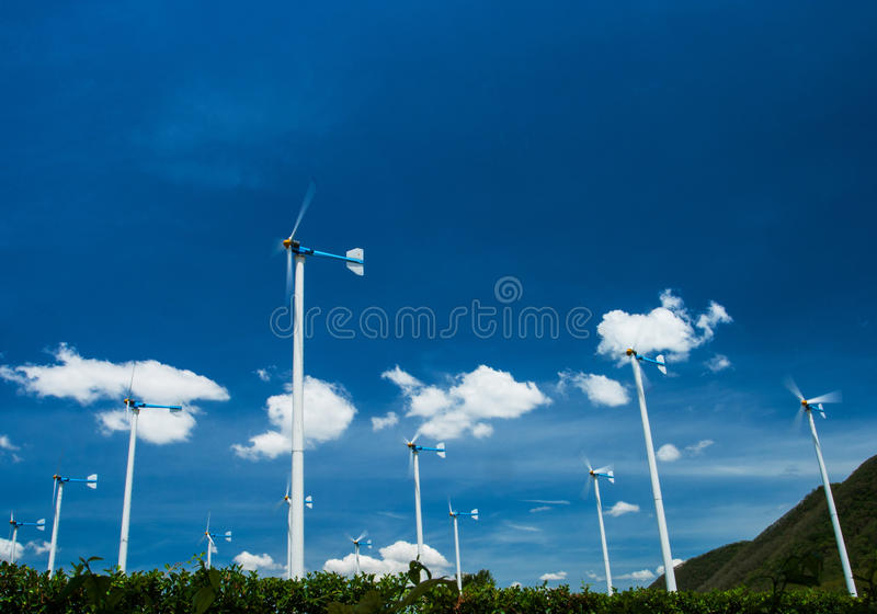 Windturbine för elektricitet i Thailand fotografering för bildbyråer