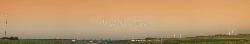 Windturbinebauernhof lizenzfreies stockfoto