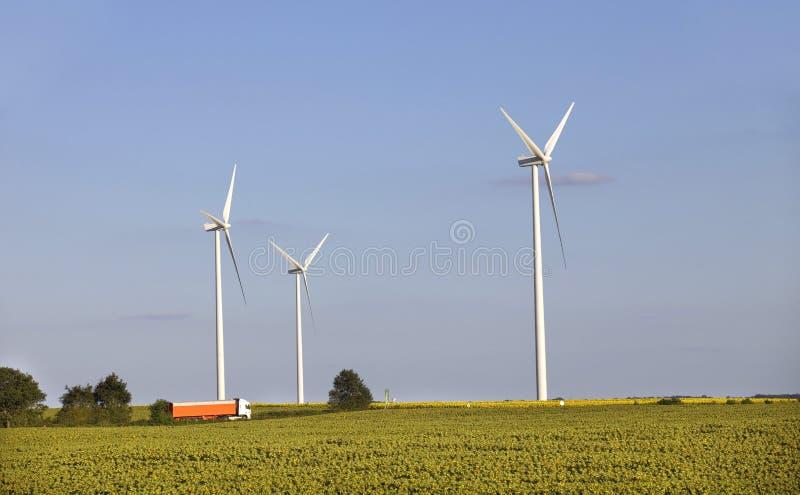 Download Windturbines obraz stock. Obraz złożonej z zanieczyszczenie - 57662791