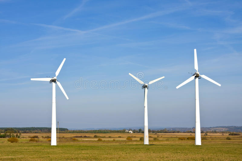Windturbines die elektriciteit produceren royalty-vrije stock foto