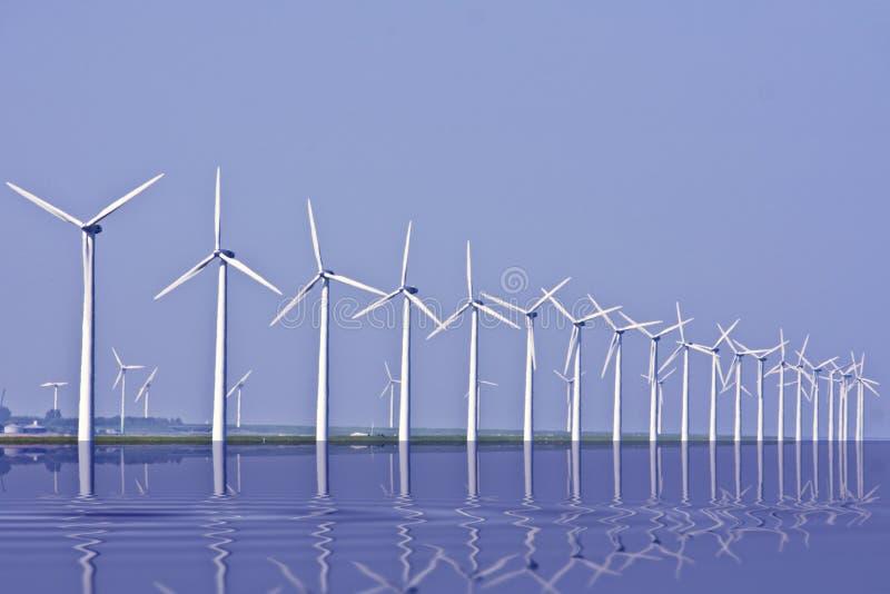 windturbines ijsselmeer Голландии стоковые фотографии rf