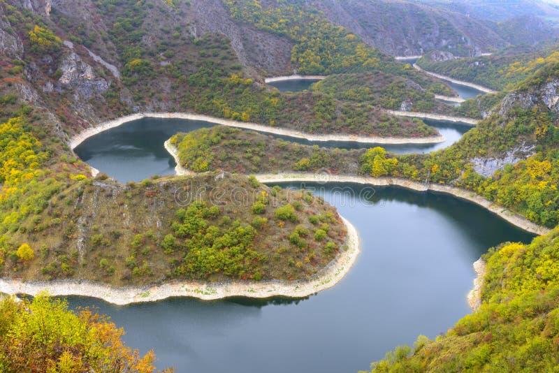 Windung des Uvac-Flusses, Serbien lizenzfreies stockfoto