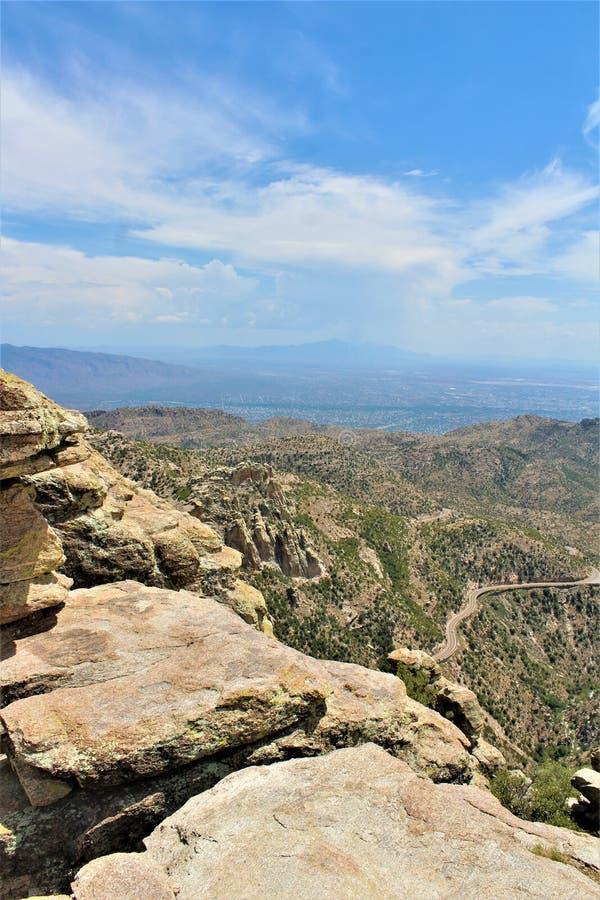 Windy Point Vista, Berg Lemmon, Santa Catalina Mountains, Lincoln National Forest, Tucson, Arizona, Vereinigte Staaten lizenzfreie stockfotos