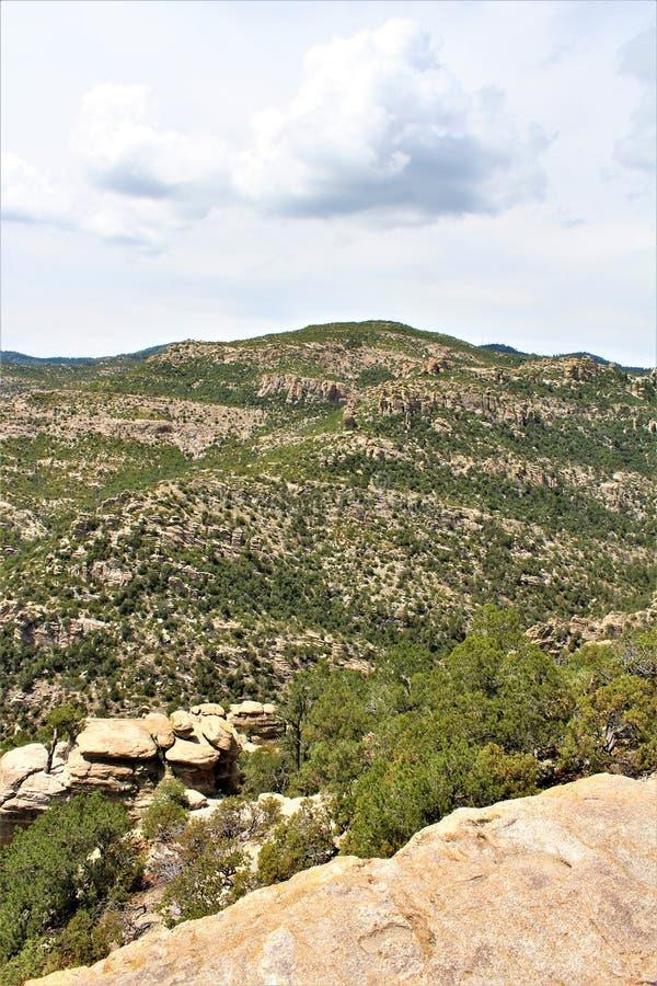 Windy Point Vista, montagem Lemmon, Santa Catalina Mountains, Lincoln National Forest, Tucson, o Arizona, Estados Unidos foto de stock