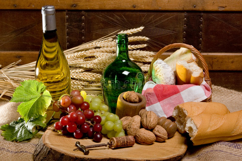Wine and country food royalty free stock photos