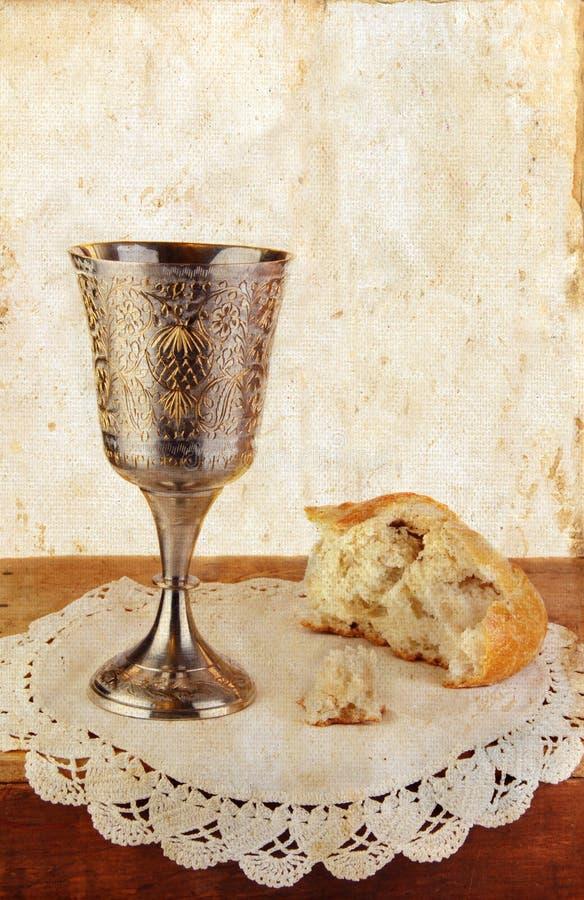 wine för brödnattvardsgånggrunge arkivbild