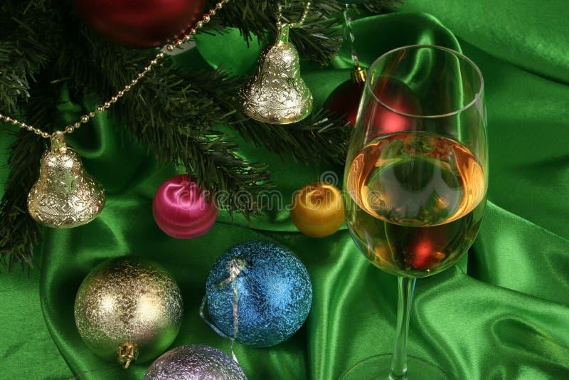 wine för härlig jul för bakgrund glass vit arkivfoto
