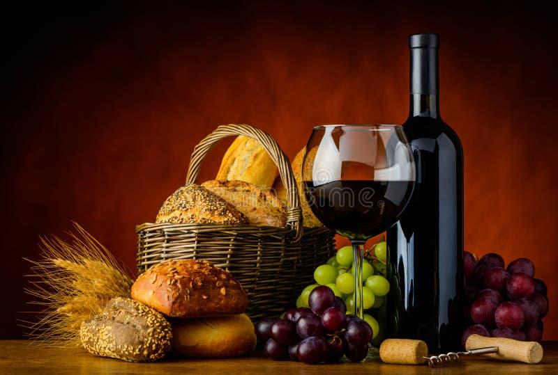Wine och bröd arkivfoton